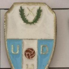 Coleccionismo deportivo: PIN FUTBOL - BARCELONA - HOSPITALET DE LLOBREGAT - UD HOSPITALET. Lote 277672313