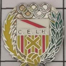 Coleccionismo deportivo: PIN FUTBOL - BARCELONA - HOSPITALET DE LLOBREGAT - CE L'HOSPITALET - ESCUDO DEL 2000. Lote 277672428