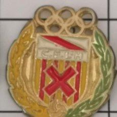 Coleccionismo deportivo: PIN FUTBOL - BARCELONA - HOSPITALET DE LLOBREGAT - CE L'HOSPITALET - ESCUDO DEL 2000. Lote 277672448