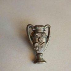 Coleccionismo deportivo: PIN DEL FUTBOL CLUB BARCELONA COPA BARÇA. Lote 278628173