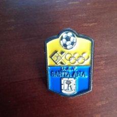 Coleccionismo deportivo: ESCUDO DEPORTIVO ASOCIACION DE VECINOS SANTA ANA FUENCARRAL MADRID CLUB DE FUTBOL PIN INSIGNIA. Lote 279590303