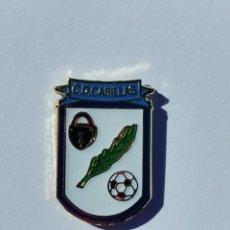 Coleccionismo deportivo: PIN DE FÚTBOL.... CLUB DEPORTIVO CASILLAS... CÁCERES EXTREMADURA. Lote 287679493