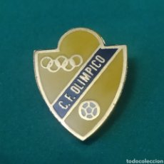 Coleccionismo deportivo: INSIGNIA DE FÚTBOL. CF OLÍMPICO. ASTURIAS. Lote 287882443