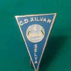 Coleccionismo deportivo: INSIGNIA DE FÚTBOL CD XILVAR. BALEARES. Lote 287884883