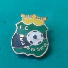 Coleccionismo deportivo: INSIGNIA DE FÚTBOL FC MARÍA DE LA SALUT. MALLORCA. Lote 287885458