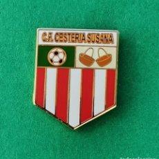 Coleccionismo deportivo: PIN DE FÚTBOL.... CLUB DE FÚTBOL.... CESTERÍA SUSANA.... CANTABRIA. Lote 288000593