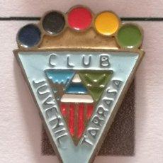Coleccionismo deportivo: PIN FUTBOL - BARCELONA - TERRASSA - CLUB JUVENIL TARRASSA. Lote 288010993