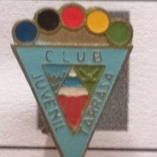 Coleccionismo deportivo: PIN FUTBOL - BARCELONA - TERRASSA - CLUB JUVENIL TARRASSA - AGUJA. Lote 288011138