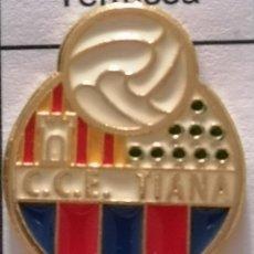 Coleccionismo deportivo: PIN FUTBOL - BARCELONA - TIANA - CCE TIANA. Lote 288014538