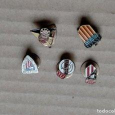 Coleccionismo deportivo: PINS DE FUTBOL ANTIGUOS. Lote 288026653