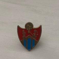 Coleccionismo deportivo: ANTIGUO PIN CD OURENSE . INSIGNIA ORENSE. Lote 288334748