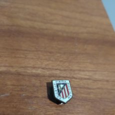 Coleccionismo deportivo: PIN ATLETICO DE MADRID INSIGNIA OJAL PIN PEÑA ATLETICA MEDIODIA. Lote 289013083