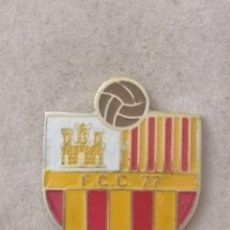 Coleccionismo deportivo: PIN FUTBOL - BARCELONA - DESCONOCIDO (FCC 77) - IDENTIFICAR. Lote 289028443