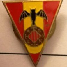 Coleccionismo deportivo: PIN FUTBOL - BARCELONA - LES CORTS - AS LK - SOLAPA. Lote 292414298