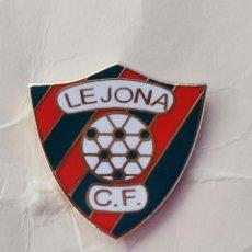 Coleccionismo deportivo: PIN DE FÚTBOL... LEJONA CLUB DE FÚTBOL... BILBAO VIZCAYA. Lote 293442373