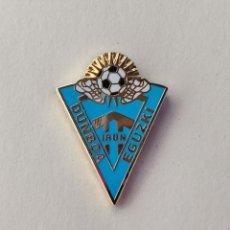 Coleccionismo deportivo: PIN DE FÚTBOL... CLUB DEPORTIVO DUNBOA EGUZKI... IRUN GUIPÚZCOA. Lote 293564288