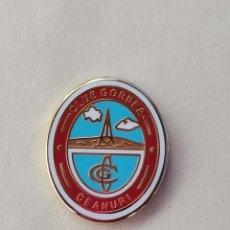 Coleccionismo deportivo: PIN DE FÚTBOL... CLUB GORBEA CEANURI... VIZCAYA. Lote 293564503