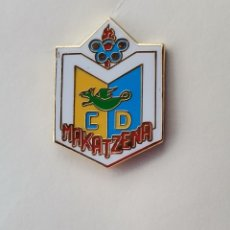 Coleccionismo deportivo: PIN DE FÚTBOL... CLUB DEPORTIVO MAKATZENA... DONOSTIA GUIPÚZCOA. Lote 293568593