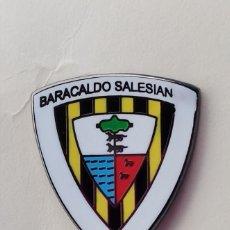 Coleccionismo deportivo: PIN DE FÚTBOL... BARACALDO SALESIAN CLUB DE FÚTBOL... BARAKALDO VIZCAYA. Lote 293569558