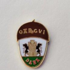 Coleccionismo deportivo: PIN DE FÚTBOL... OARGVI DEBA... DEBA GUIPÚZCOA. Lote 293571808