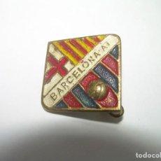 Coleccionismo deportivo: ANTIGUA INSIGNIA. BARCELONA ATLETIC.. Lote 293572343
