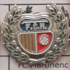 Coleccionismo deportivo: PIN FUTBOL - BARCELONA - FC MARTINENC. Lote 293859373