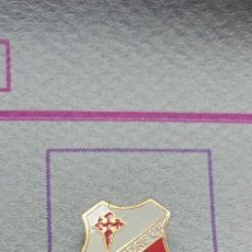 Coleccionismo deportivo: PIN ALFILER FÚTBOL ASTURIAS VILLAPEDRE. Lote 295460883