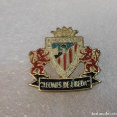 Coleccionismo deportivo: PIN INSIGNIA - PEÑA LEONES DE UBEDA ATHLETIC CLUB BILBAO - EMBLEMA BROCHE. Lote 295483443