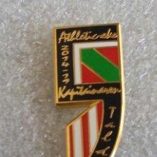 Coleccionismo deportivo: ATHLETIC CLUB BILBAO PIN PEÑA CAPITAN 5 ANIVERSARIO. Lote 295491303