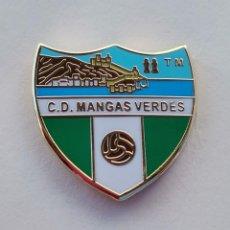 Coleccionismo deportivo: PIN DE FÚTBOL...CLUB DEPORTIVO MANGAS VERDES... MÁLAGA. Lote 295787363