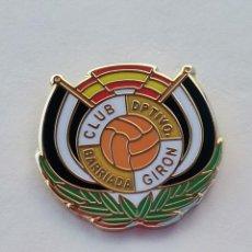 Coleccionismo deportivo: PIN DE FÚTBOL... CLUB DEPORTIVO BARRIADA GIRON... MÁLAGA. Lote 295787638