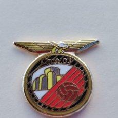 Coleccionismo deportivo: PIN DE FÚTBOL... ORCE CLUB DE FÚTBOL... GRANADA. Lote 295789118