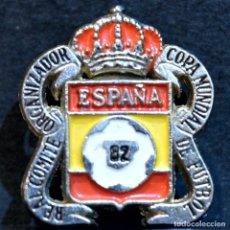 Coleccionismo deportivo: PIN INSIGNIA AGUJA REAL COMITE ORGANIZADOR DE LA COPA MUNDIAL DE FUTBOL ESPAÑA 82. Lote 295986893