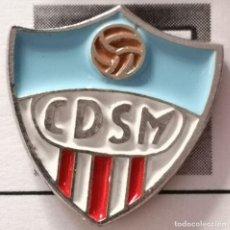 Coleccionismo deportivo: PIN FUTBOL - BARCELONA - CD SPORTING MARTINENC. Lote 296796228