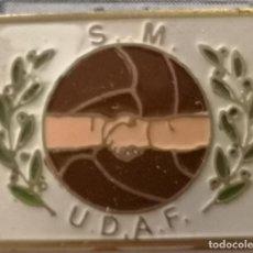 Coleccionismo deportivo: PIN FUTBOL - BARCELONA - S.M. U.D.A.F.. Lote 297165483