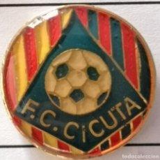 Coleccionismo deportivo: PIN FUTBOL - BARCELONA - FC CICUTA. Lote 297166203