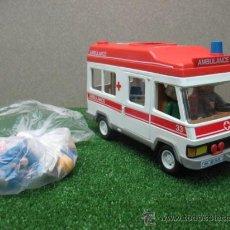 Playmobil: (PLAYMOBIL) FURGONETA AMBULANCIA CON MUÑECOS Y ACCESORIOS. Lote 22970294