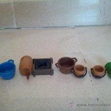 Playmobil: ACCESORIOS VARIOS DE PLAYMOBIL, BARRIL CON GRIFO, CUBOS, CESTA.... Lote 37894871