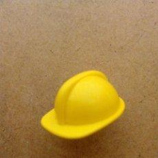 Playmobil: PLAYMOBIL SOMBRERO, GORRO, CASCO DE OBRA, CIUDAD, CONSTRUCCIÓN, ACCIÓN AMARILLO OSCURO. Lote 58572426