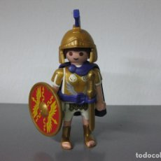Playmobil: PLAYMOBIL ROMANO BELEN ROMANOS SOLDADO CENTURION TRIBUNO PENACHO AZUL ESCUDO REDONDO. Lote 223907333