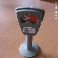 Playmobil: PLAYMOBIL. PARQUÍMETRO POLICÍA CITY CARRETERA CIUDAD COCHE.¿CUÁNTAS NECESITAS?. Lote 75721935