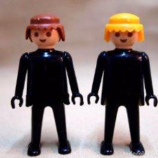 Playmobil: FAMOBIL, PLAYMOBIL, 2 FIGURAS ARTICULADAS, PRIMERA EPOCA, MANOS FIJAS, 1970S. Lote 84898116