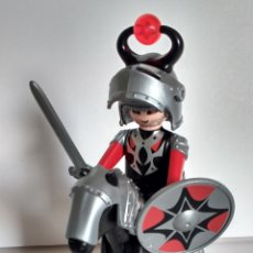 Playmobil: PLAYMOBIL MEDIEVAL CABALLERO JINETE CABALLO NEGRO OSCURIDAD. Lote 95340295
