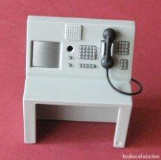 Playmobil: MESA O CENTRALITA DE COMISARIA DE POLICÍA - TELEFONO - PLAYMOBIL. Lote 103949907