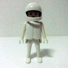 Playmobil: CLICK FAMOBIL CON CASCO - MOTORISTA PILOTO GEOBRA PLAYMOBIL FIGURA MUÑECO. Lote 97721807