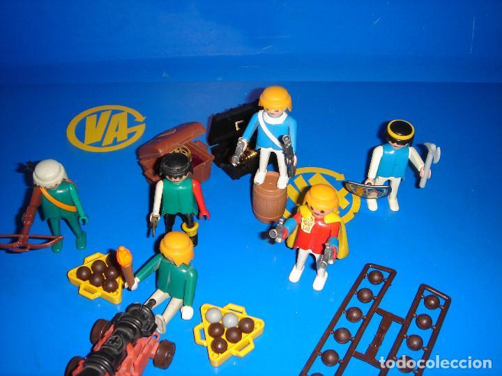 Playmobil: Lote Playmobil 6 figuras (1974) + ACC. DEFENDIENDO EL TESORO-observa las fotos - Foto 4 - 101035655