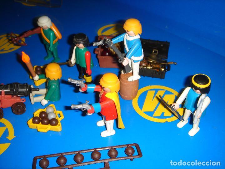 Playmobil: Lote Playmobil 6 figuras (1974) + ACC. DEFENDIENDO EL TESORO-observa las fotos - Foto 5 - 101035655
