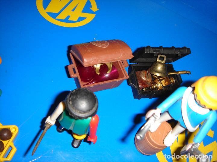 Playmobil: Lote Playmobil 6 figuras (1974) + ACC. DEFENDIENDO EL TESORO-observa las fotos - Foto 6 - 101035655