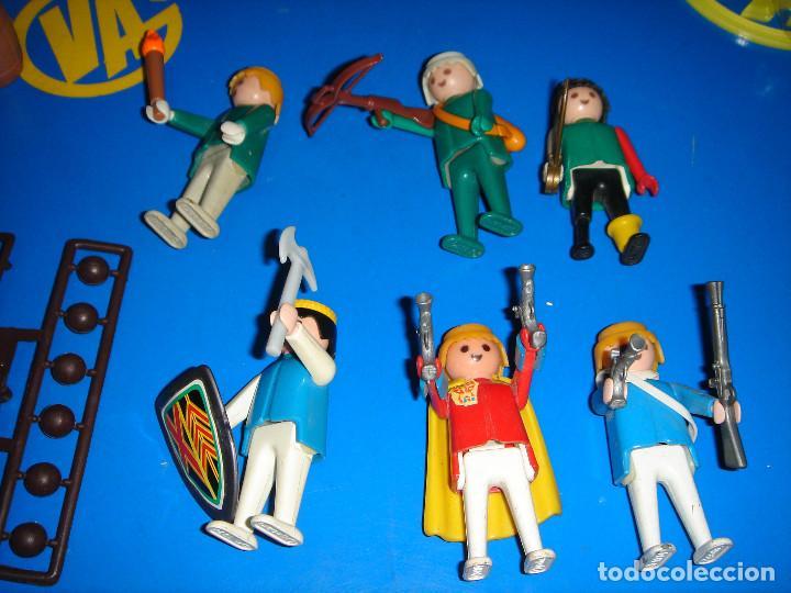 Playmobil: Lote Playmobil 6 figuras (1974) + ACC. DEFENDIENDO EL TESORO-observa las fotos - Foto 8 - 101035655