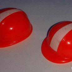 Playmobil: LOTE DE 2 CASCOS DE LA CONSTRUCCION DE PLAYMOBIL. TOTALMENTE NUEVO.. Lote 102933119
